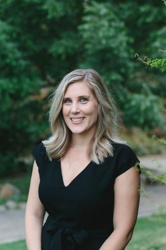 EmilyWenzel_Melissa-McDaniel-Headshots-2018_IMG-0008